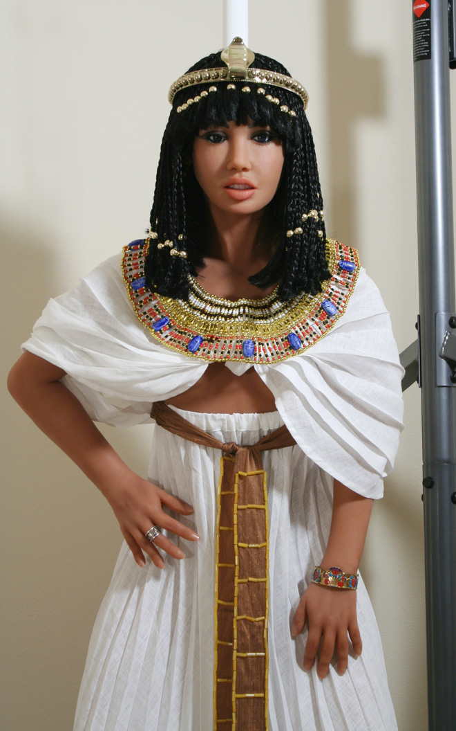 Wearing her ancient egyptian queen outfit, Ancki says 'Now I live again in people's hearts and imaginations'.